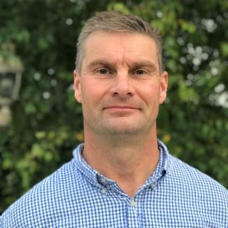 Simon Peek, BVSc, MRCVS, PhD, DACVIM (LAIM), Clinical Professor